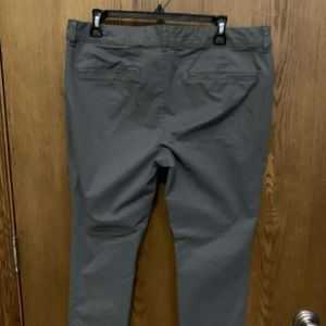 Ankle pixie pants, gray